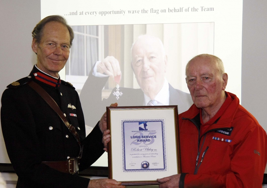 CVSRT retiring president, Mr Robert (Bob) Uttley MBE was presented with the MREW Long Service Certificate, by Deputy Lord Lieutenant of West Yorkshire, Squadron Leader David Dinmore MBE DL RAF (Rtd).